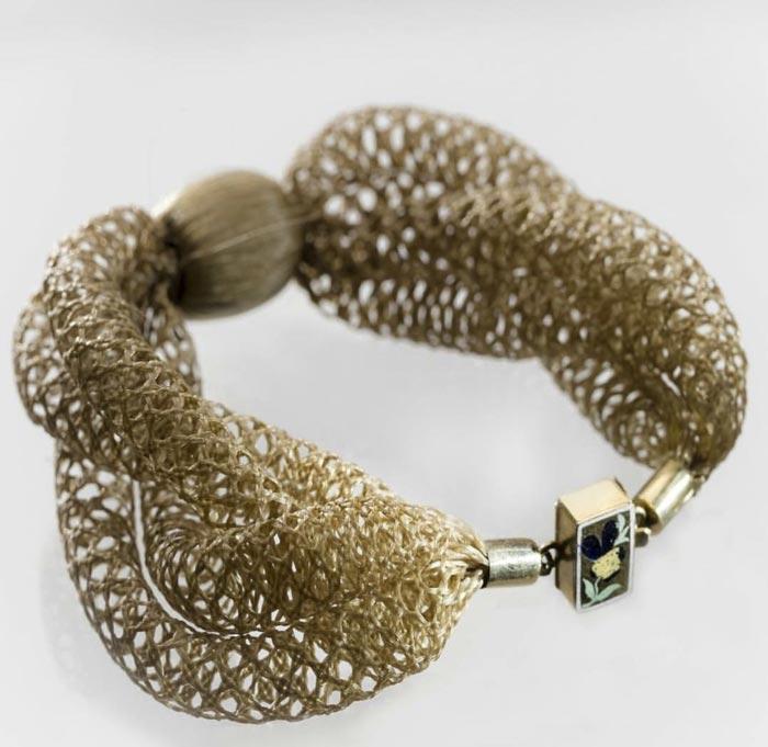 Bracelet en cheveux tressés au musée Nordiskaa
